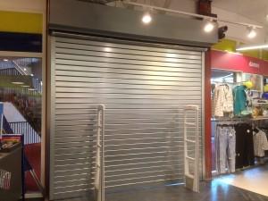 Brandwerend-rolluik-winkel