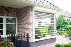 Tranparant-rolluik-woning-patio