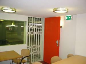 Schaarhek-deur-kantoorruimte