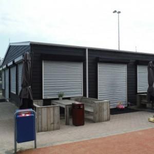 Stalen-beveiligingsrolluiken-speeltuinvereniging-Kralingseveer-390x390